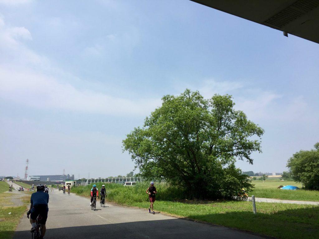 ローディーだらけの荒川サイクリングロード